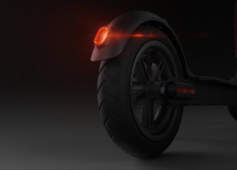Xiaomi Mi Electric Scooter- čierna